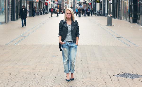 Сьогодні найактуальнішою одягом чоловічого напрямки можна назвати джинси в  стилі бойфренд. Ультрамодні штани вже міцно займають законне місце в  домашніх ... d52453bcb84c9