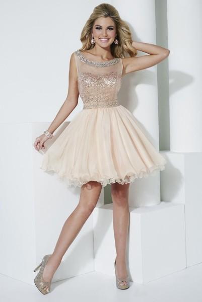 Короткі сукні  дизайн і тенденції. Плаття на випускний 2016 cc40f53f30e7c
