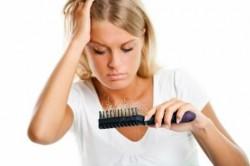 Что делать, если выпадают волосы после родов