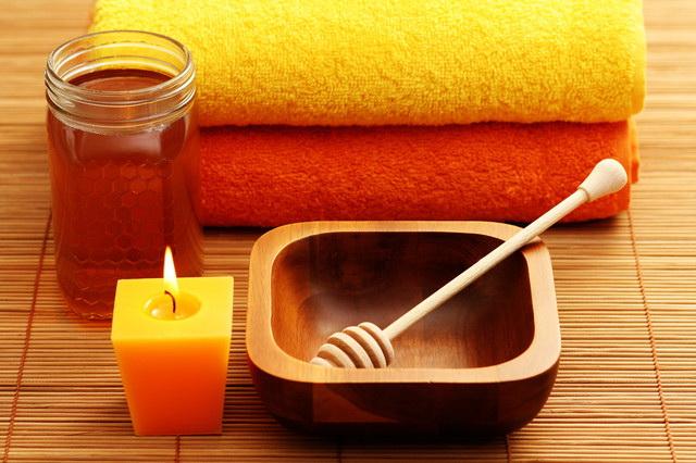 Подготовка к процедуре антицеллюлитного медового массажа