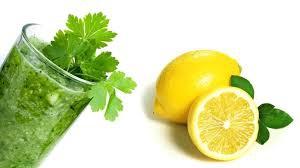 Маска из петрушки и лимона