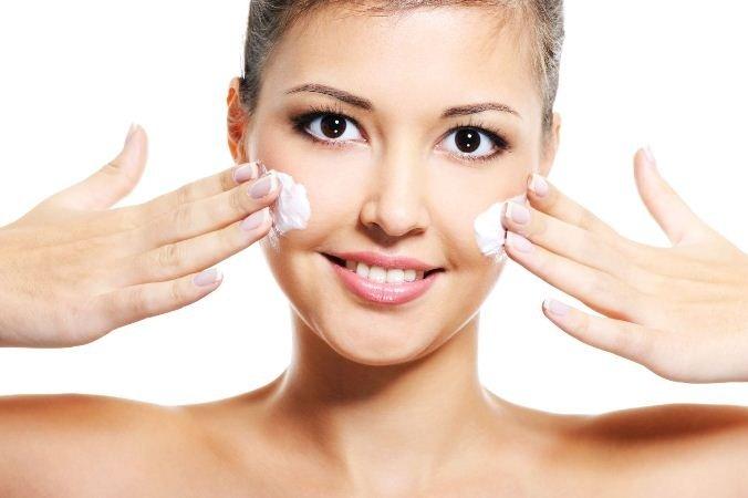 Способи застосування ретиноєвої мазі від зморшок. Принцип дії і склад. рекомендації косметологів
