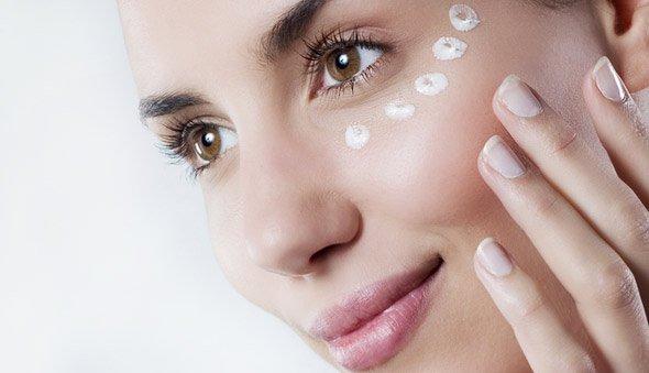 Ефективний крем проти зморшок навколо очей. Правила та рекомендації щодо вибору крему
