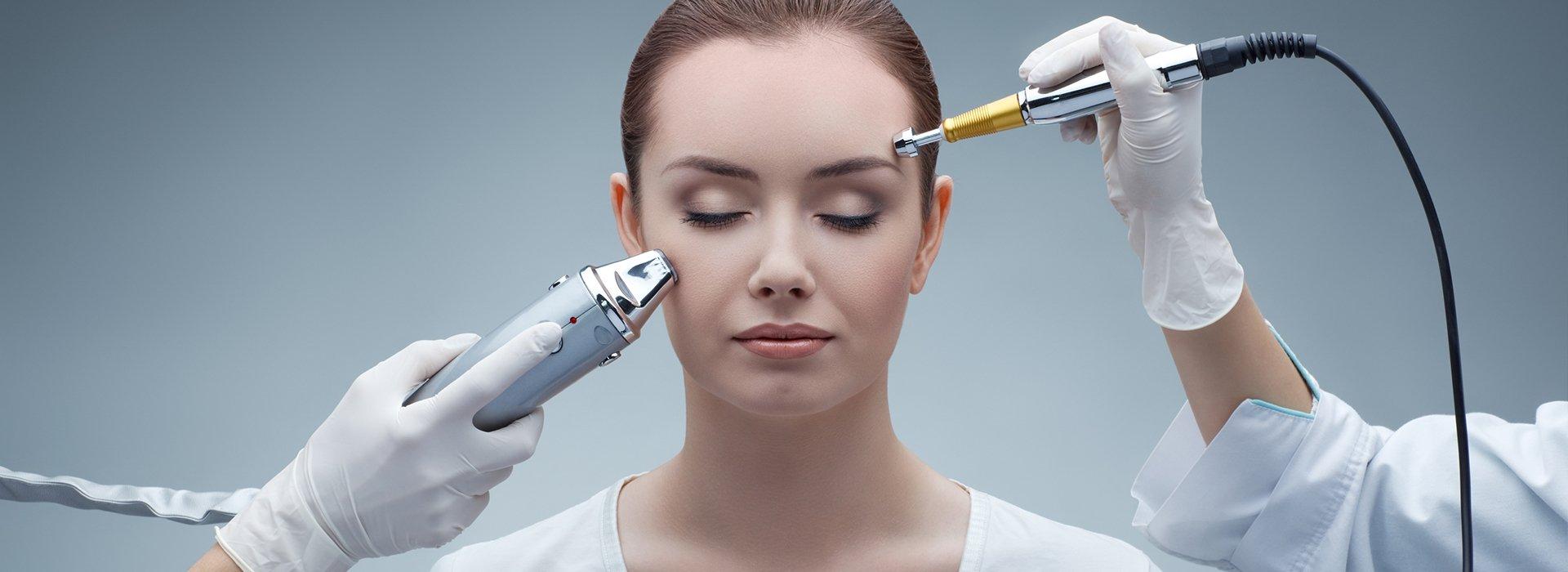 Процес проведення Безін'єкційна мезотерапії особи. Переваги та протипоказання процедури