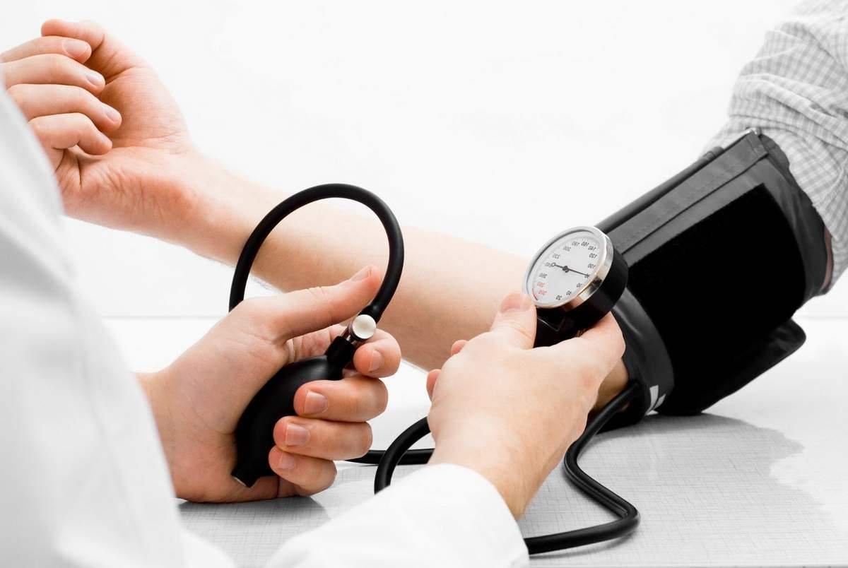 Як знизити тиск при вагітності? Нормальне співвідношення показників. Симптоми і причини підвищеного тиску