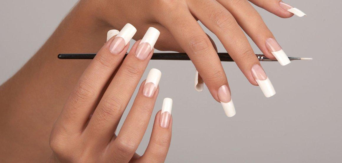Що потрібно для нарощування нігтів? Переваги та недоліки процедур. Протипоказання до проведення