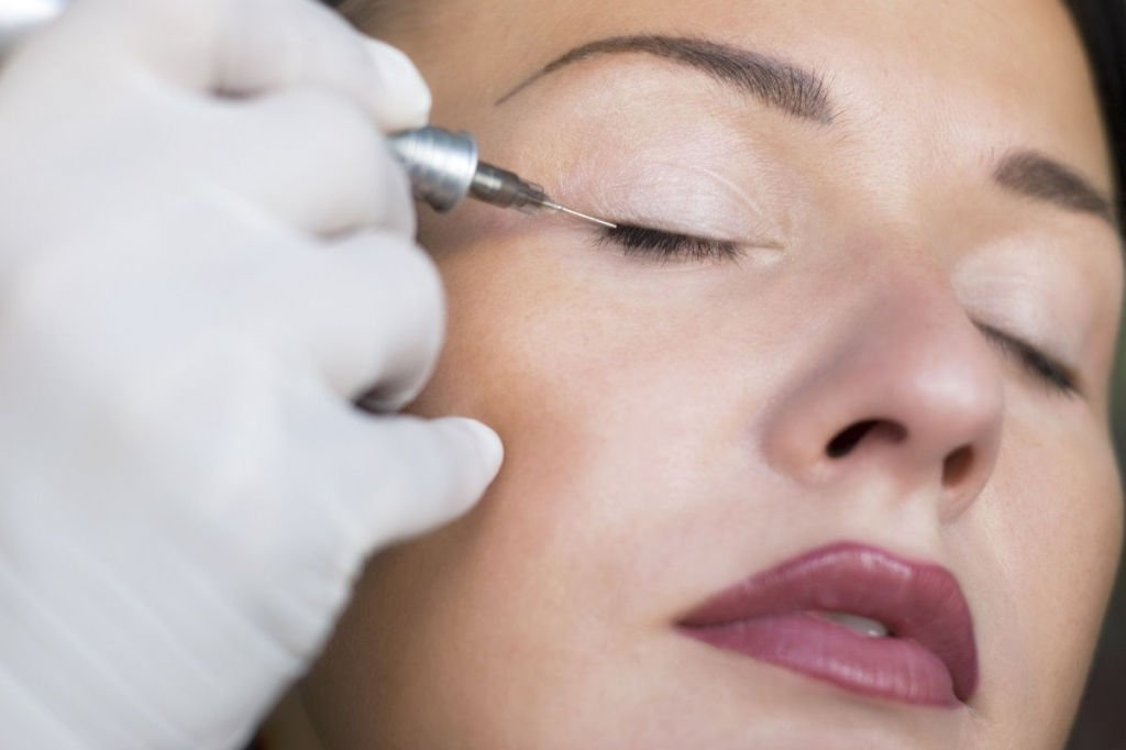 Перманентний макіяж очей. Різновиди процедури і їх переваги. Рекомендації по вибору і видалення татуажу