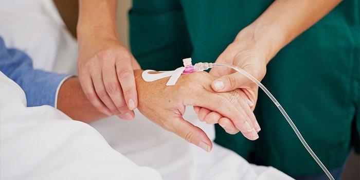 Як проходить хіміотерапія при раку молочної залози? Різновиди методик. Показання до застосування та наслідки процедури