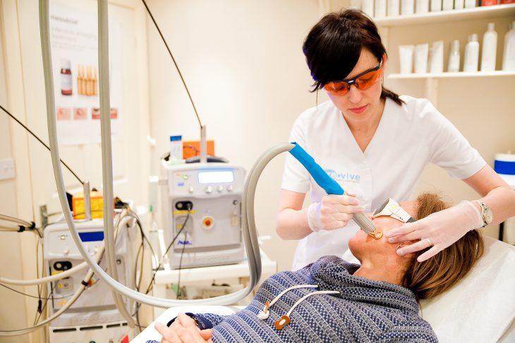 Photo of Видалення пігментних плям на обличчі лазером — промінь, що несе чистоту