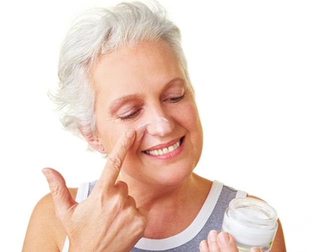 Photo of Чим можна прибрати зморшки в 60: підбираємо догляд