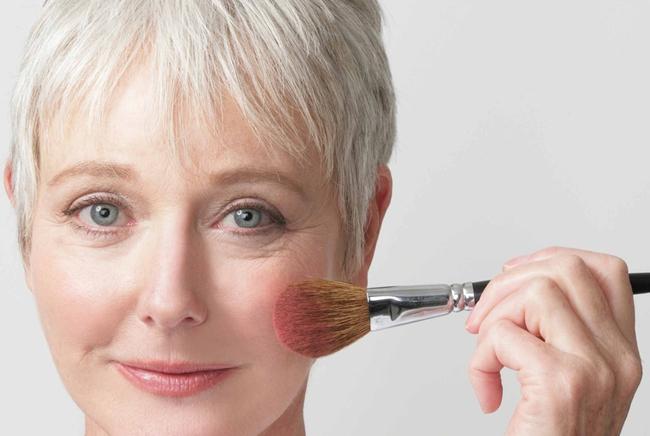 Photo of Правильний вечірній макіяж для жінки за 40