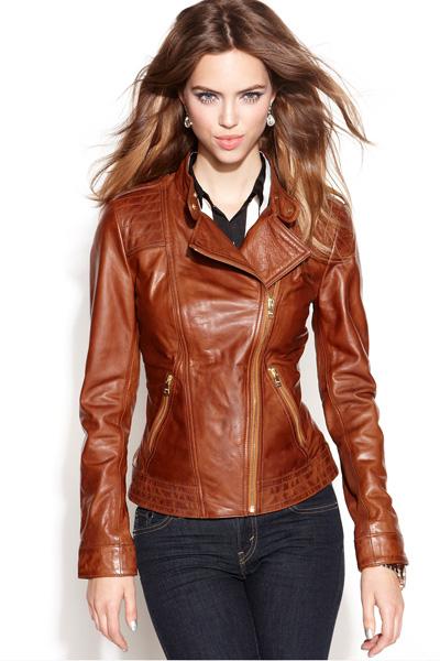 Photo of З чим носити шкіряну куртку — жіночі образи в різних стилях