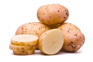 Photo of Секрет красивої і здорової шкіри – маски для обличчя з картоплі: як зробити їх і застосовувати в домашніх умовах?