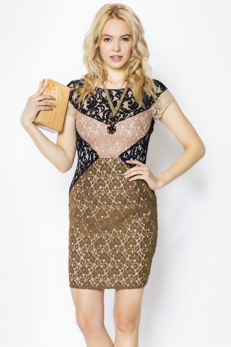 Актуальне плаття-футляр поєднується майже з усіма аксесуарами. Завдяки  легкому крою f74bf424984f9