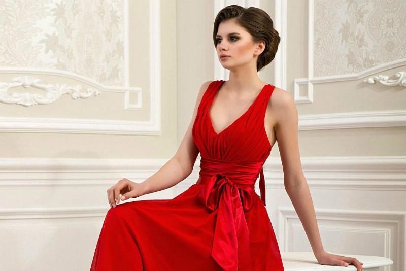 Червоний колір підсвідомо асоціюється зі святом і торжеством. З цієї  причини червоне вечірнє плаття це кращий вибір для модниці a065176c816cf