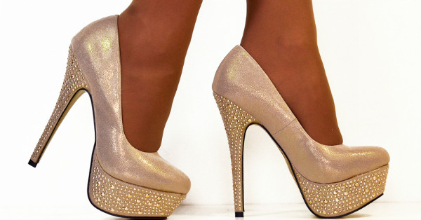 З чим носити бежеві туфлі  поради стилістів в створенні образу 76b781bdc5e29