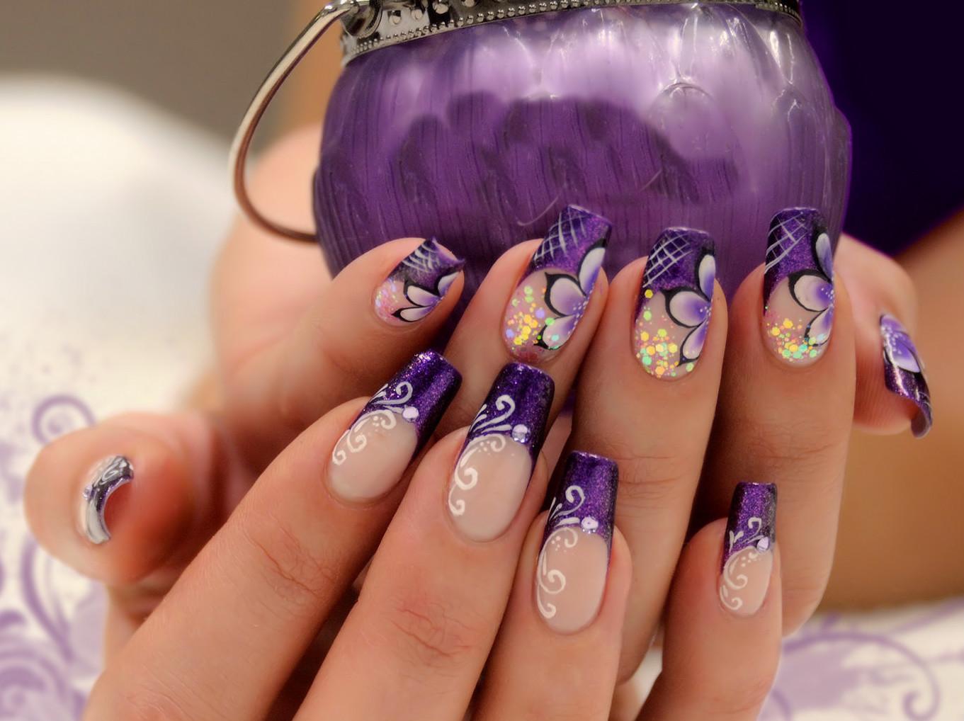 Дизайн ногтей с сиреневыми цветами
