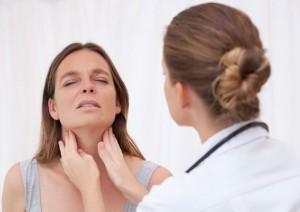Болит горло при беременности насколько это опасно