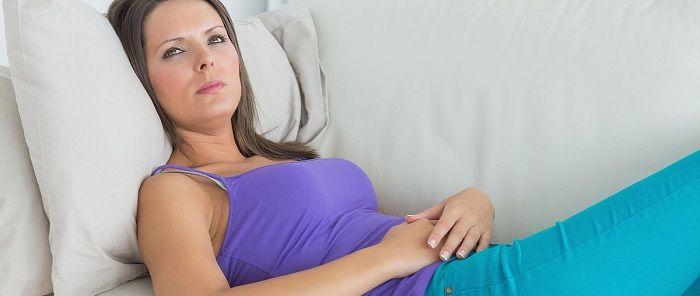 Что означают коричневые выделения при беременности и стоит ли бепокоиться