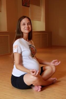 Безопасная йога для беременных