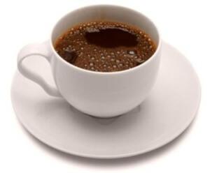 Высушенные и обжаренные корни цикория, добавленные к натуральному кофе, значительно улучшают его вкус