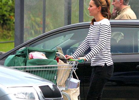 Кейт Миддлтон с покупками