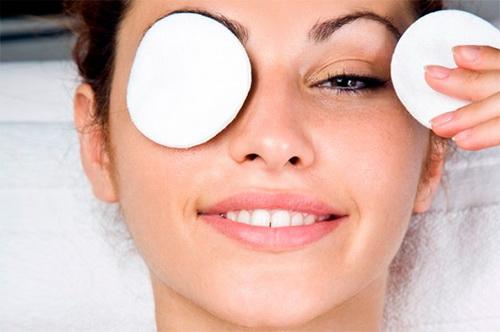 Маски для шкіри навколо очей в домашніх умовах: ефект, застосування, рецепти