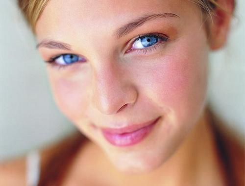 Гіперемія обличчя: про що свідчить почервоніння шкіри і як його усунути