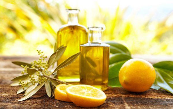 Оливковое масло и лимон для солнечного загара.