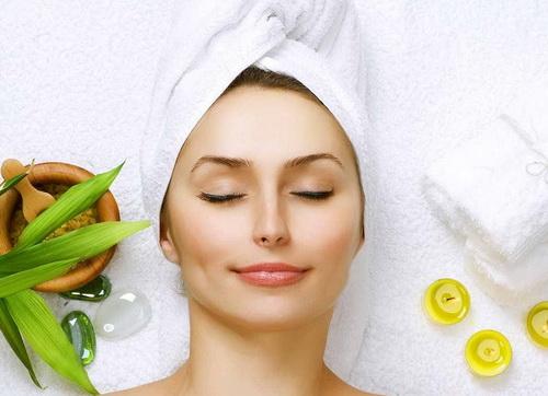 Чим корисна маска з Алое для обличчя в домашніх умовах для сухої і жирної шкіри