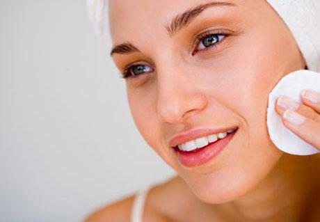 нанесение кальция хлорида на лицо