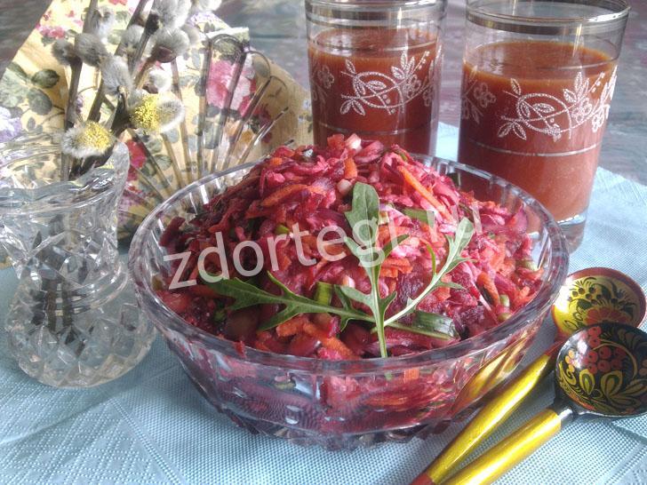Простой овощной салат с добавлением киви