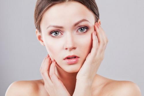 Лікування жирної і сухої себореї на обличчі: медикаментозні і народні засоби