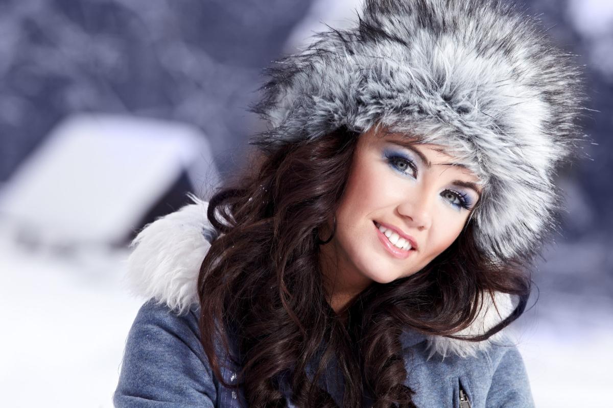 Хутряні шапки модна зима 5b4d8a69dd606