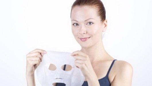 Тканинні маски для обличчя в домашніх умовах: технологія, склад, інструкція