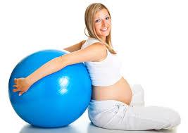Занятие с фитболом для беременных