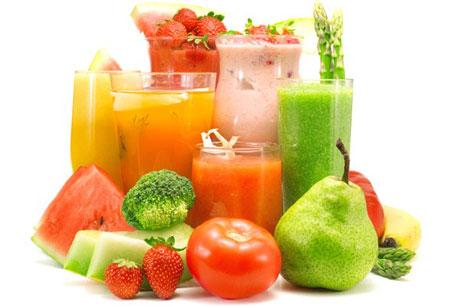 Свежие фрукты и соки